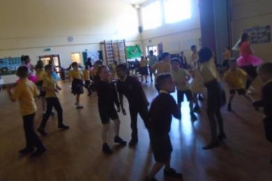 Dancercise at Ravensfield Club